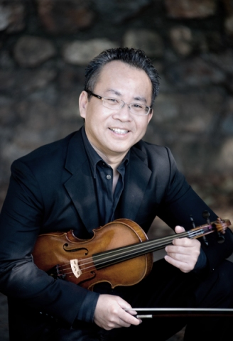 Wakeford teaches group and private violin classes
